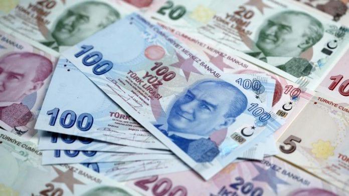 Desplome de la lira turca por nombramiento de nuevo ministro de Hacienda