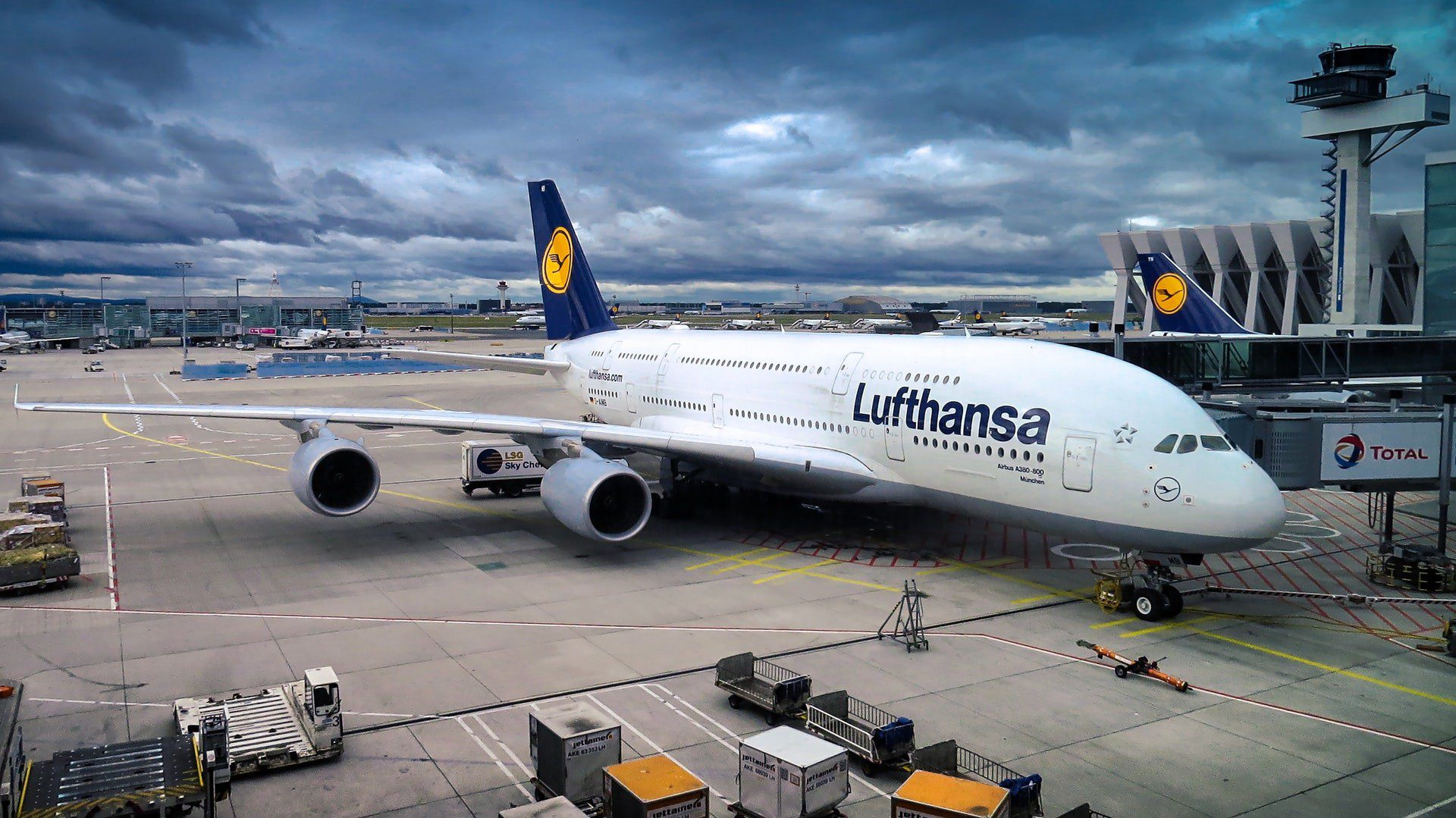 Alemania aprueba paquete de rescate para aerolínea Lufthansa