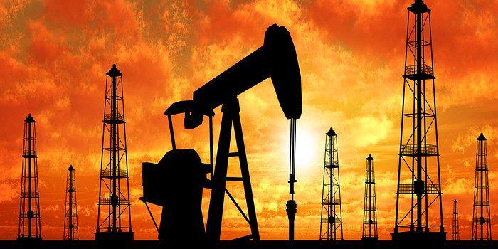 Precio del petróleo sufre su peor caída en dos años