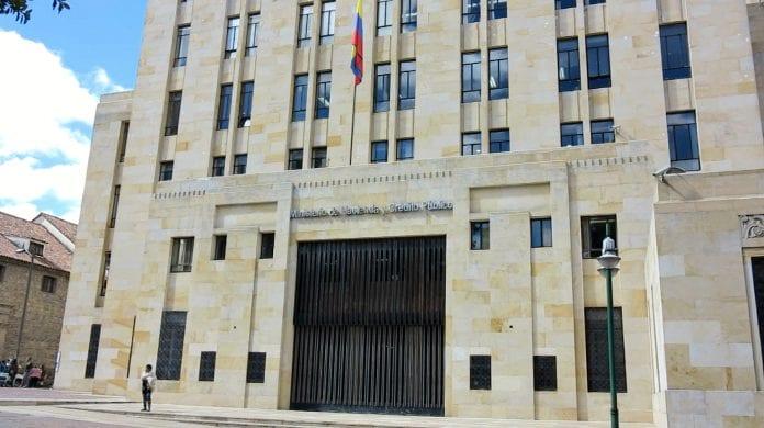 Este 4 de mayo se radica retiro de reforma tributaria de Carrasquilla