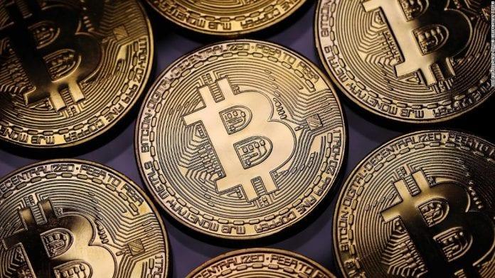 Por descuido, hombre pierde disco duro con US$ 285 millones en bitcoin y ofrece recompensa