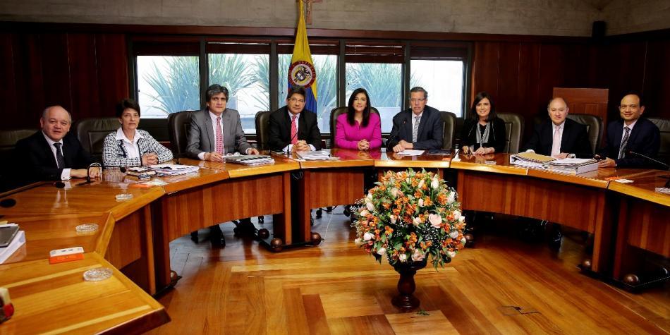 Corte Constitucional prohibió a la SIC y SuperSociedades recaudar pruebas que requieran órdenes judiciales