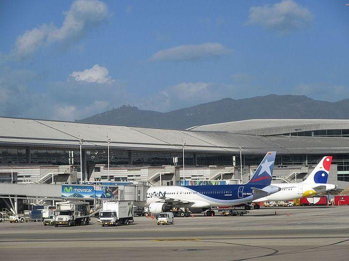 Colombia reinicia vuelos internacionales desde cuatro aeropuertos y siete destinos