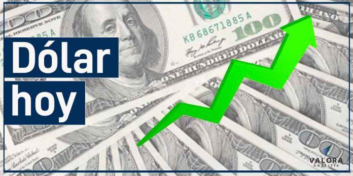 Dólar sube