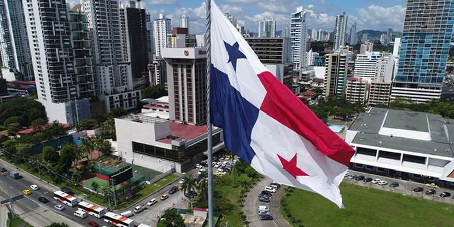 S&P Global Ratings baja calificación soberana de Panamá a 'BBB'