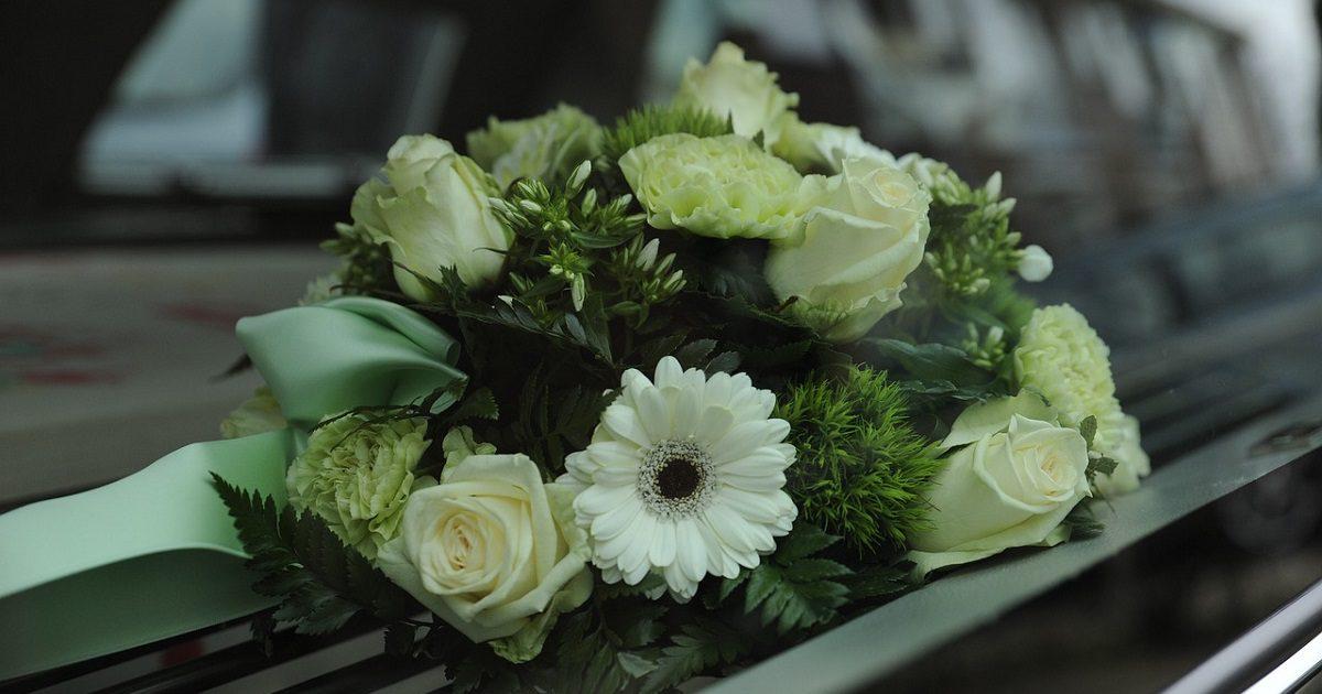 Flores, luto, funerarias (Foto Pixabay)