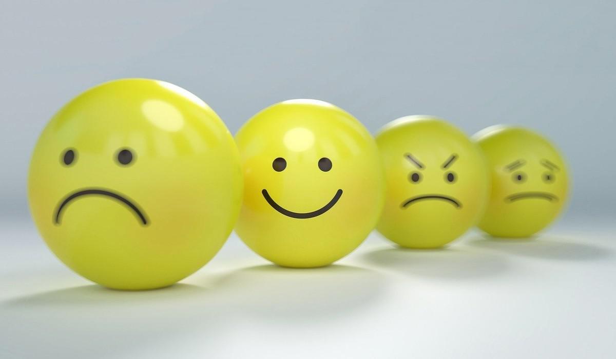 El 89 % de los colombianos no son felices debido a ahorro y empleo