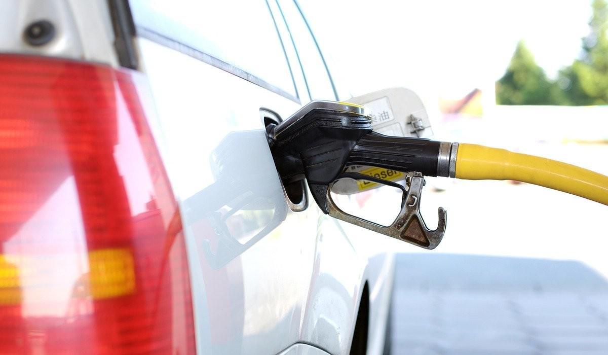 Uruguay y Chile, con la gasolina más cara de Latinoamérica