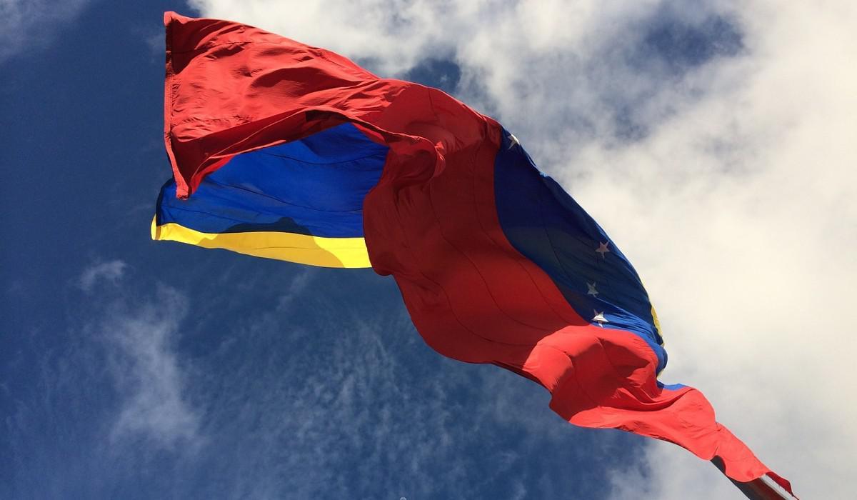 Colombia busca que 800 mil venezolanos se acojan al Estatuto en 2021