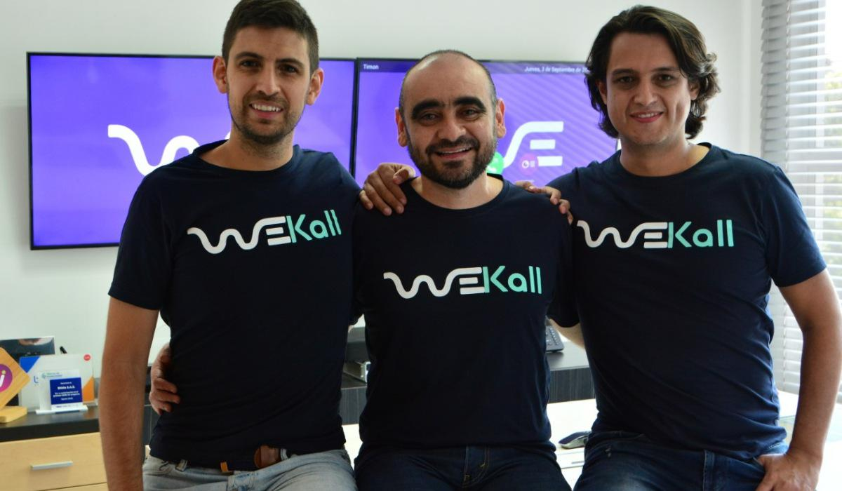 Felipe Sánchez CEO, Fabián Saavedra, WeKall Cofounder & VicePresident of CX LATAM DirecTV y Julian Sánchez CTO
