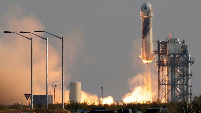 Jeff Bezos conquistó el espacio por unos minutos
